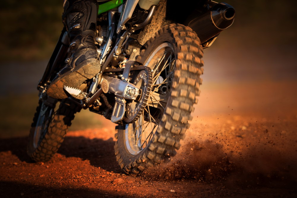 Riding the Off-road Safe with Dirt Bike Helmets